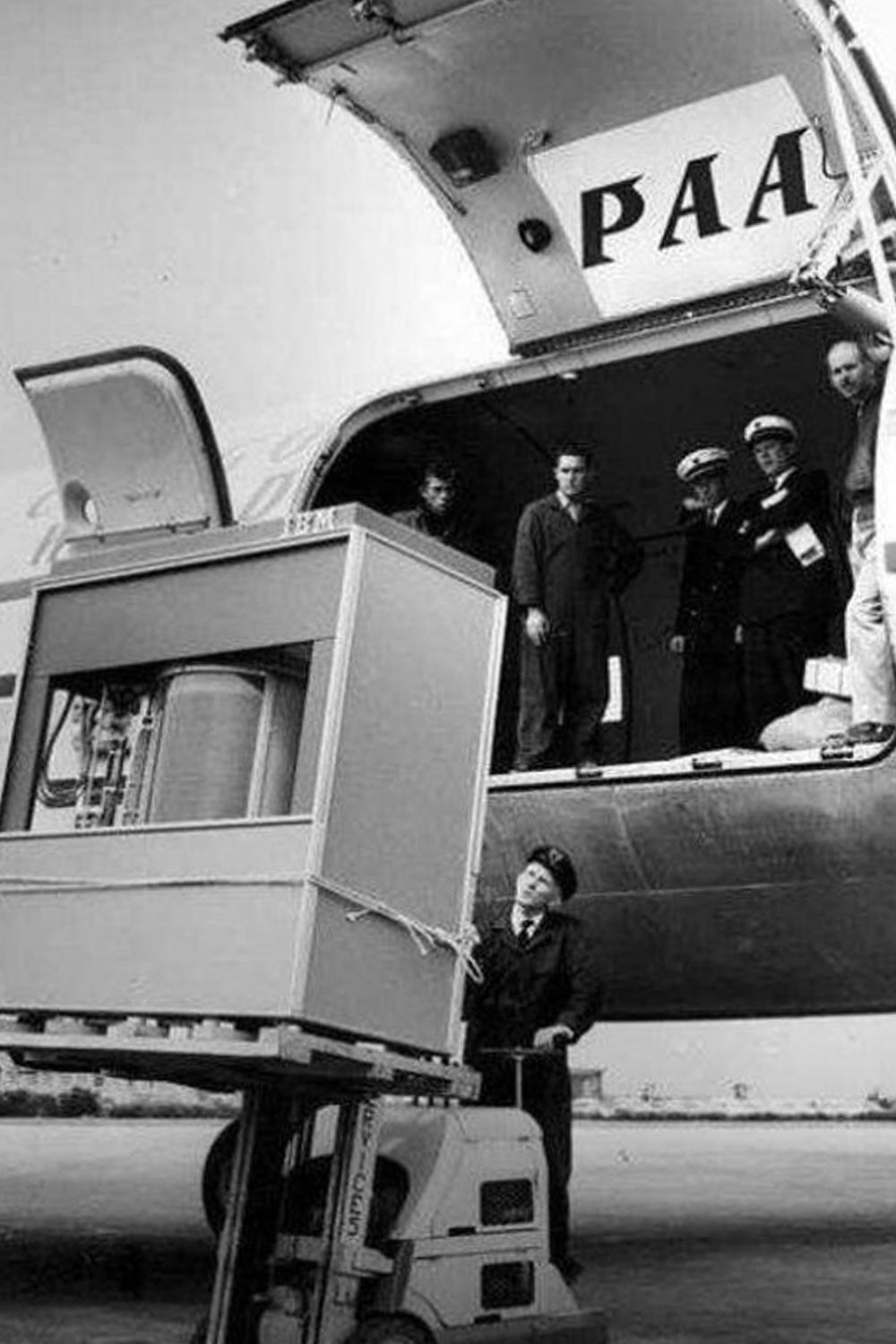 5MB hard drive arrives via Pan Am