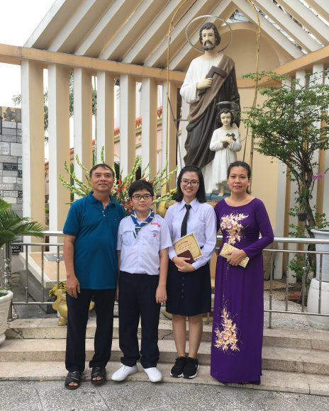 Thanh and family